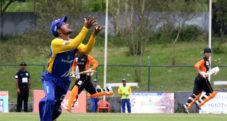 Dipendra Airee attempting a catch
